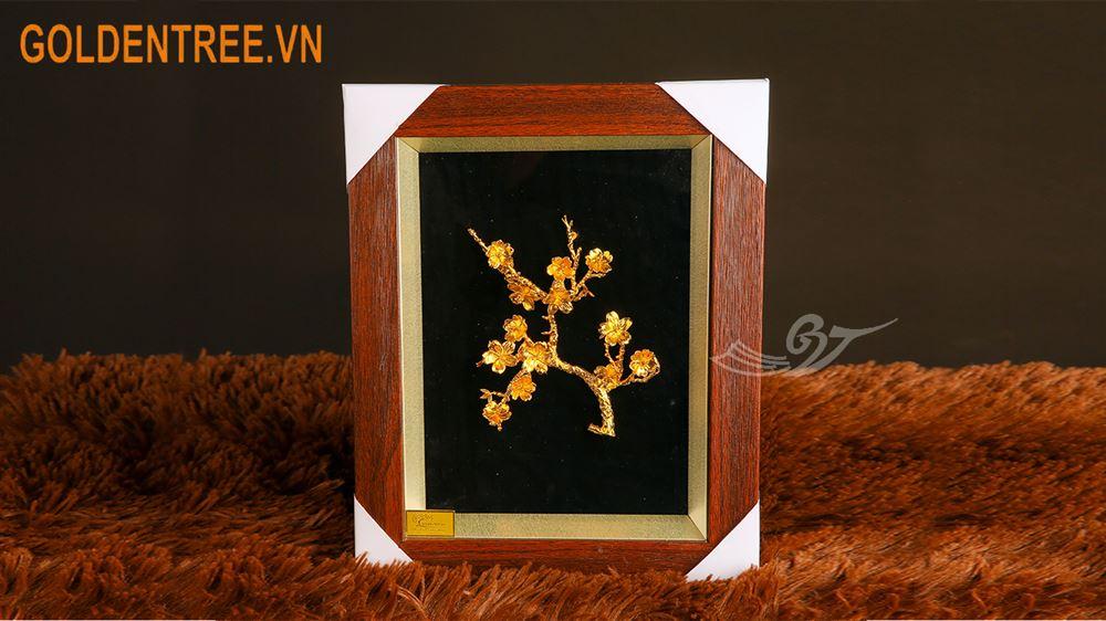 Tranh hoa đào mạ vàng