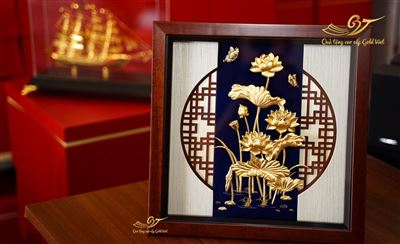 tranh hoa sen mạ vàng 24k1