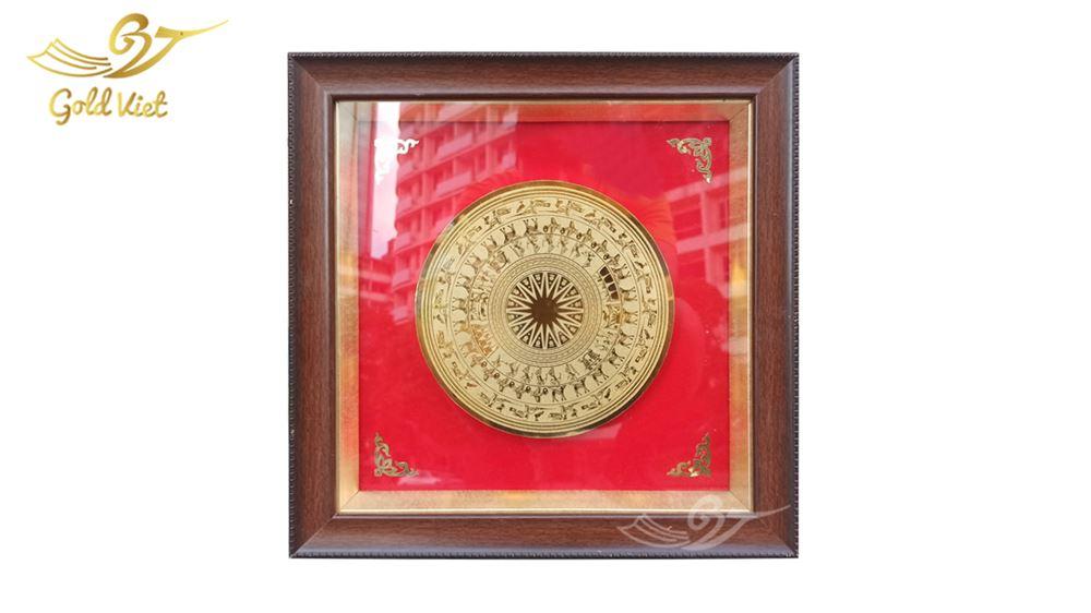 tranh trống đồng mạ vàng