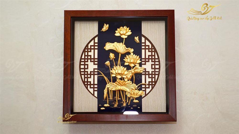 tranh hoa sen vàng 24k 11