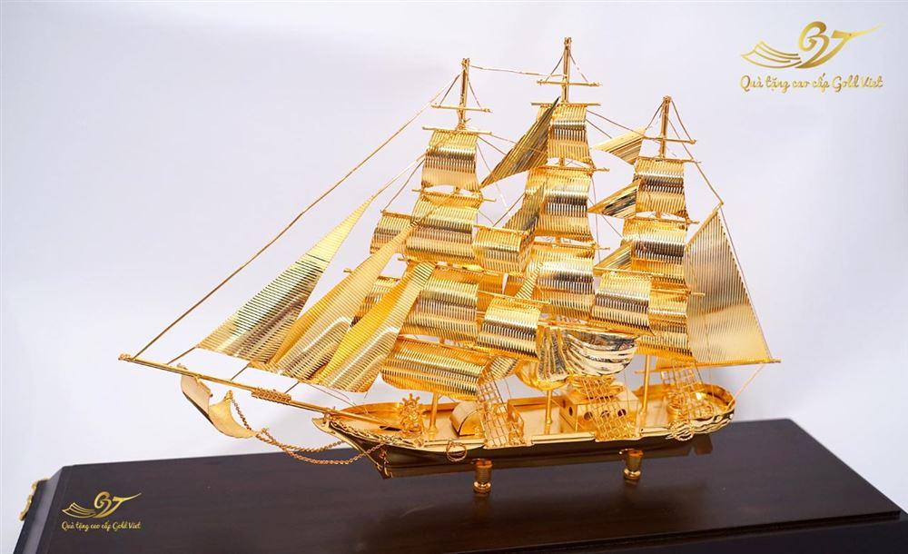 mô hình thuyền mạ vàng 11