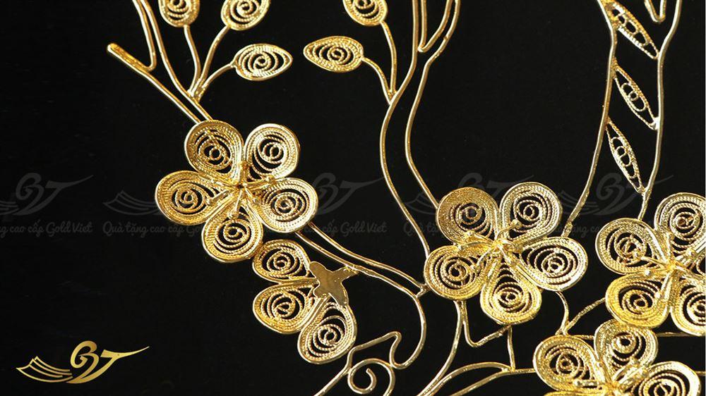 tranh hoa mai mạ vàng 2