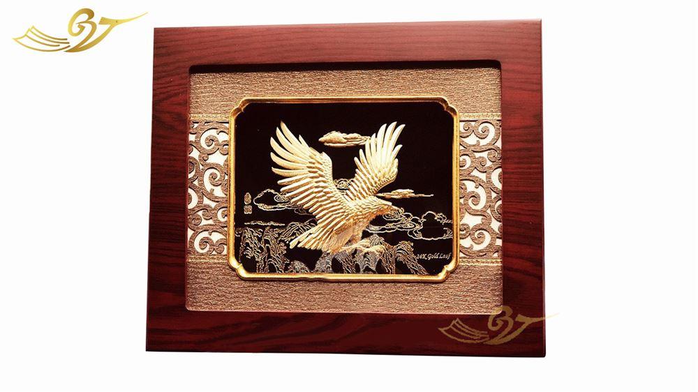Tranh Đại bàng tung cánh mạ vàng