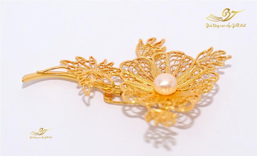 Hoa cài áo mạ vàng mẫu 001