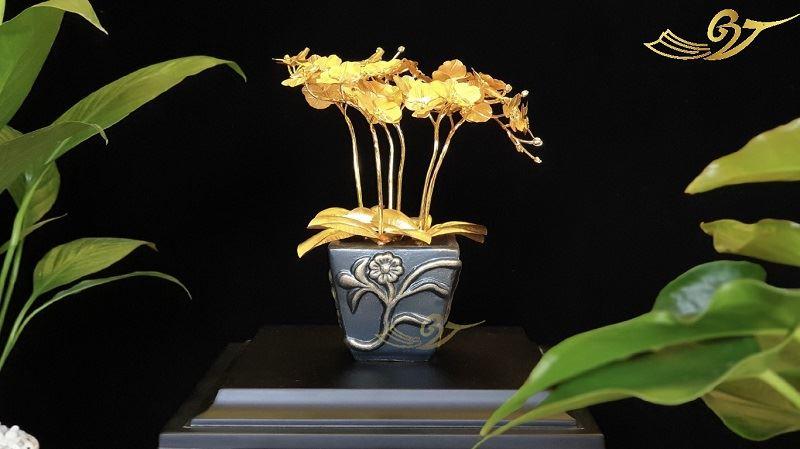 Hoa lan tài lộc mạ vàng (Dáng 2)