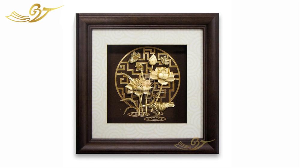 Tranh Hoa Sen Mạ Vàng-Kiểu 1
